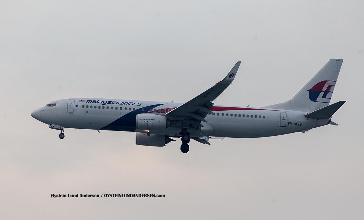 Malaysian Boeing 737-800 (9V-MXV)