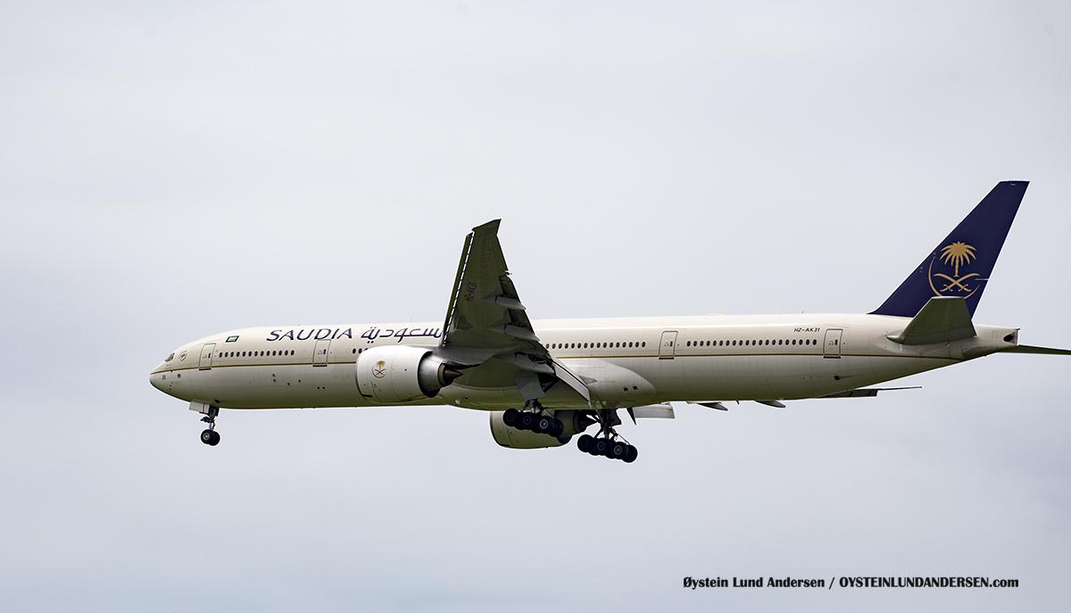 Jakarta Indonesia Saudia Arabian Airlines - Boeing 777-300ER (HZ-AK31)