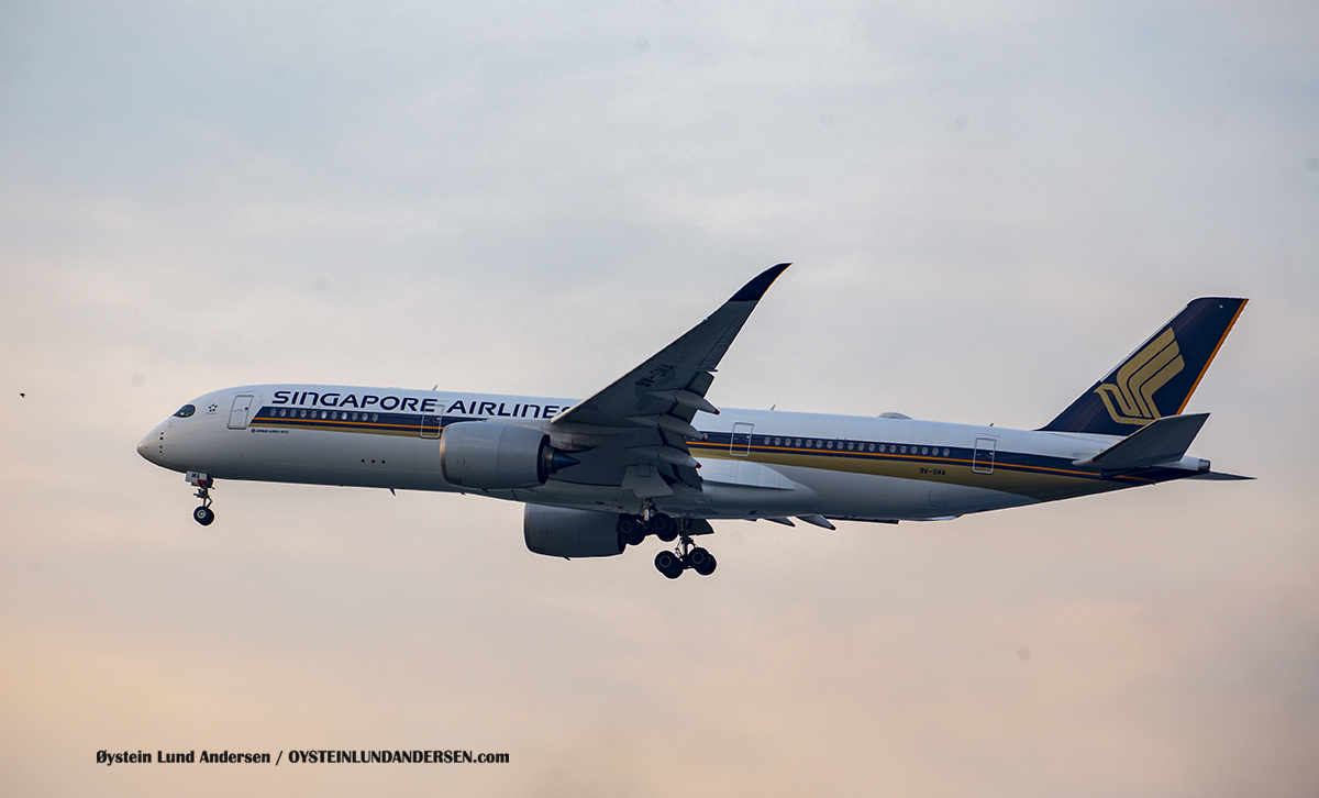 Singapore Airlines brand new Airbus 350-900 (9V-SMA)