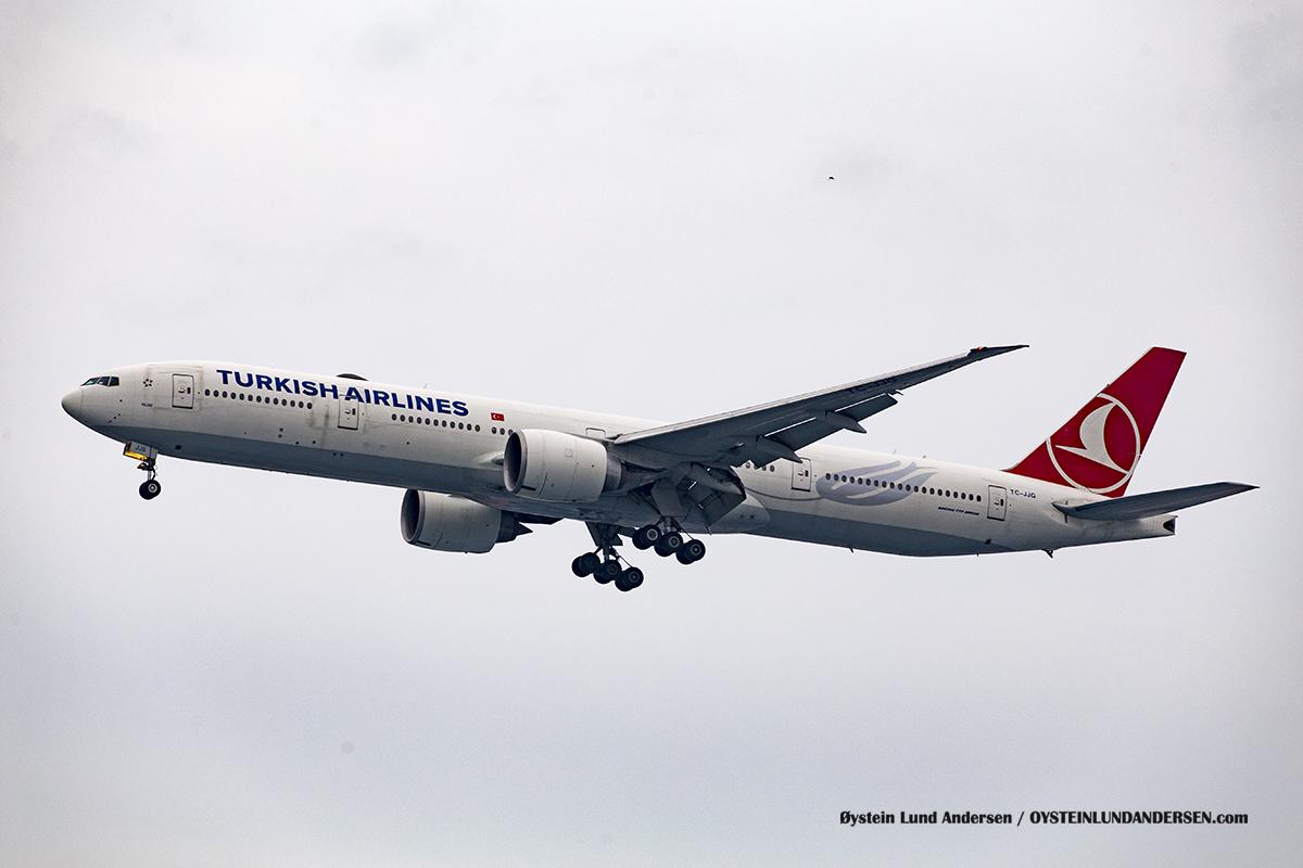 Jakarta Indonesia Turkish Airlines - Boeing 777-300ER (TC-JJG, named Yıldız )