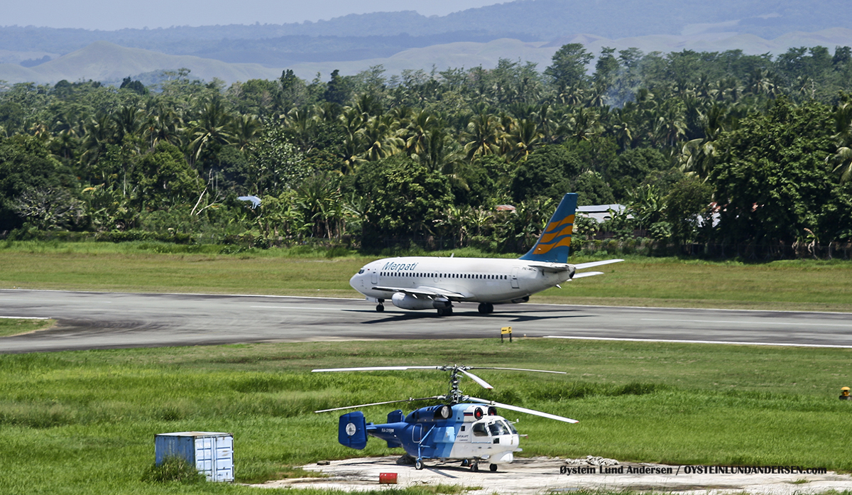 Boeing 737-200 Merpati Sentani Airport Papua Spotting