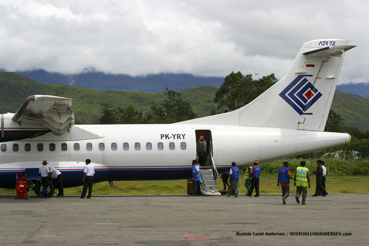 ATR-72 (PK-YRY) Trigana Wamena WMX airport papua