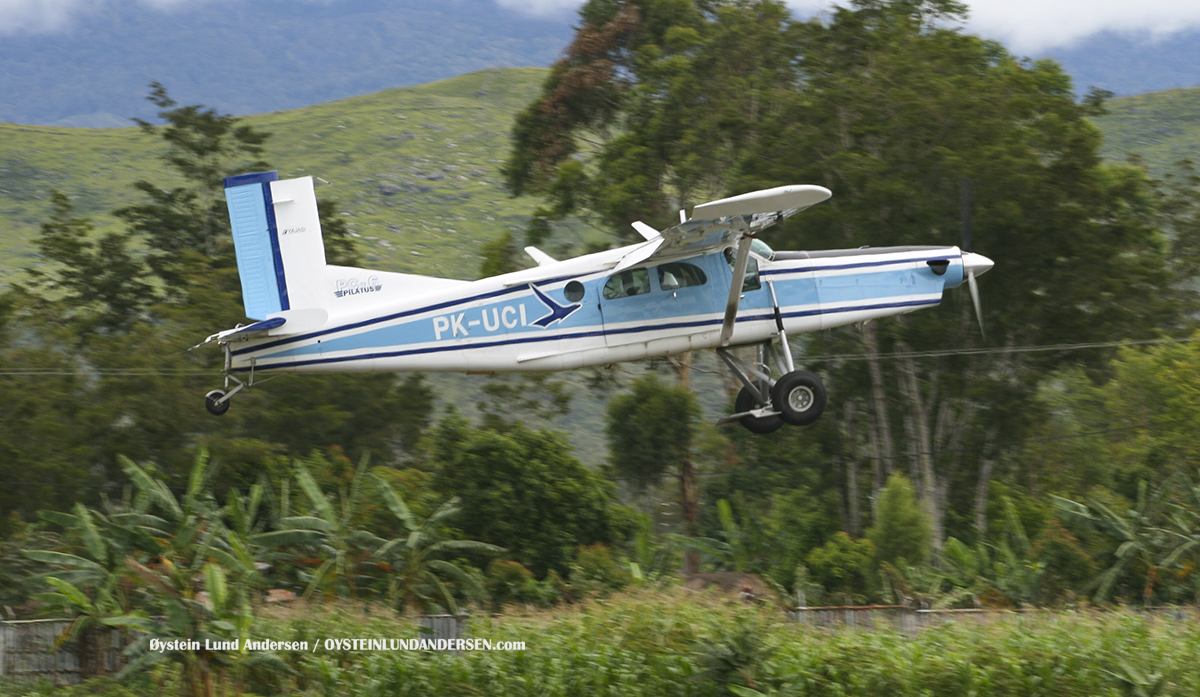 Yajasi Aviation PC-6 (PK-UCI) Wamena WMX airport papua