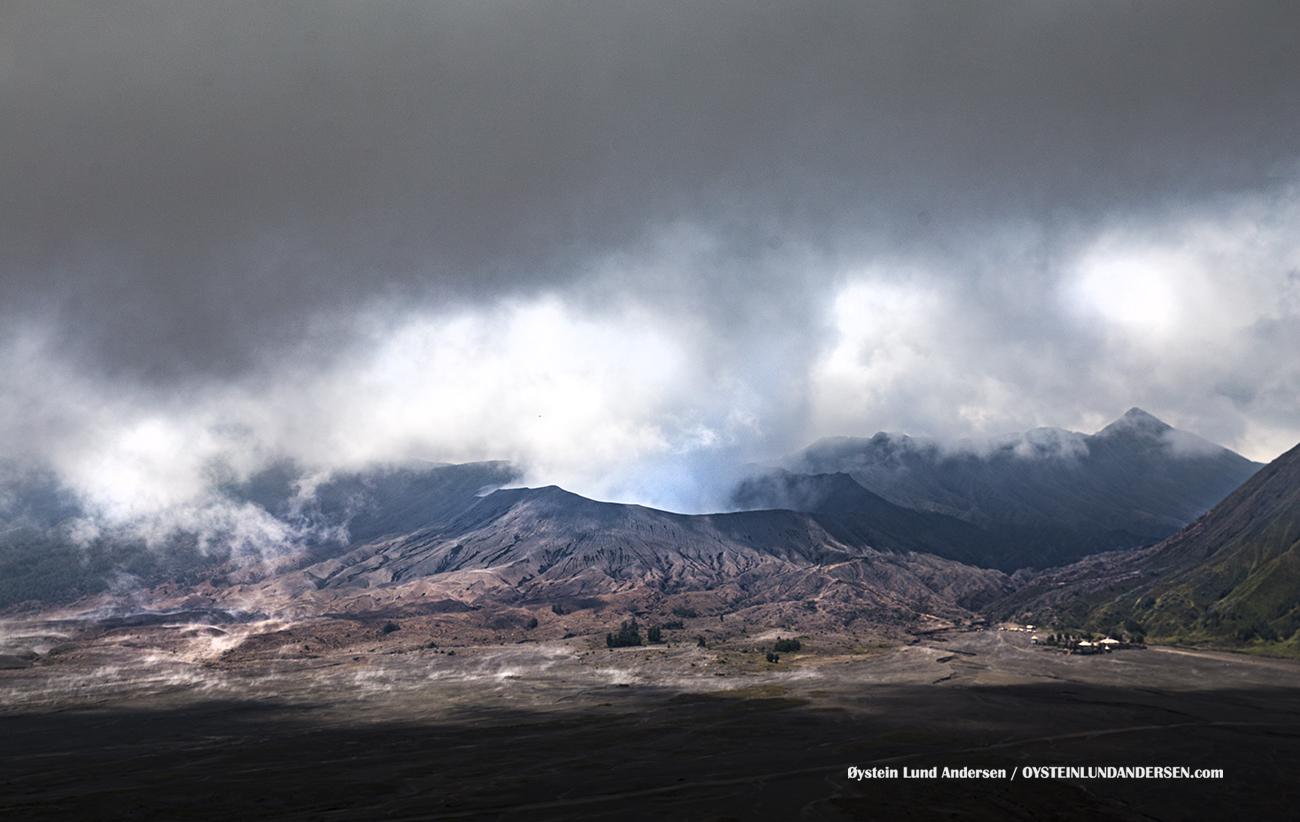 Bromo Tengger Volcano Eruption November 2016 Indonesia