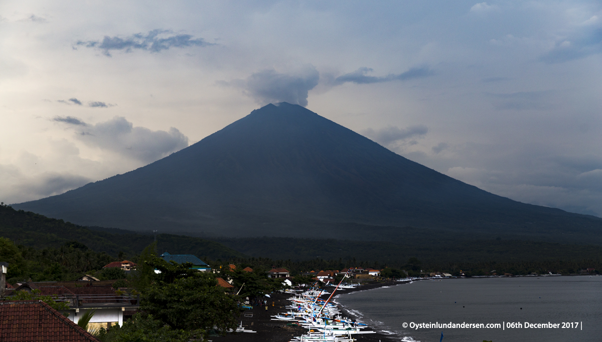Agung eruption volcano Bali Indonesia December 2017 Amed Karangasem