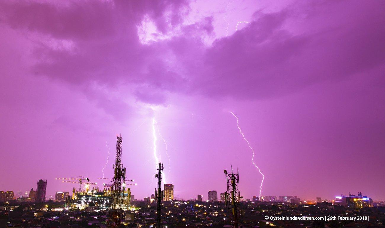 jakarta thunderstorm kilat lightning 2018