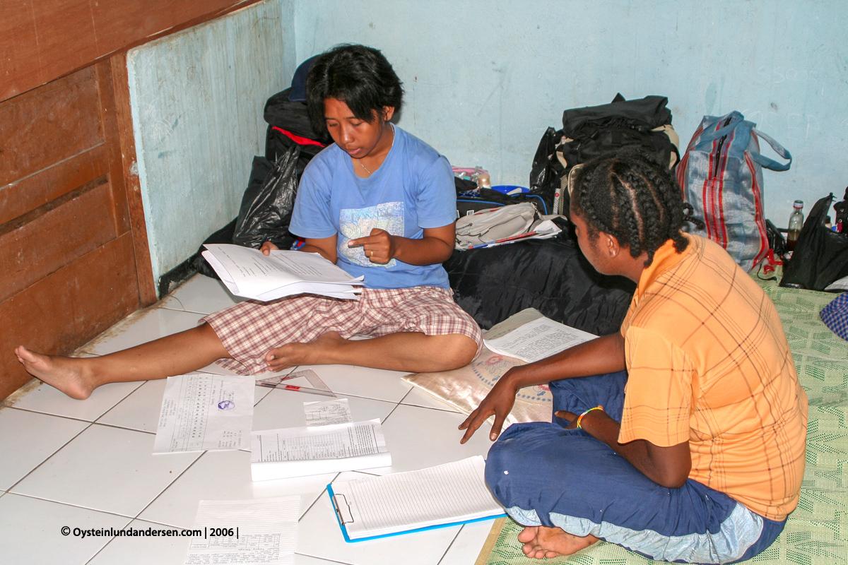 Cenderawasih Universitas University Papua UNCEN Babrongko