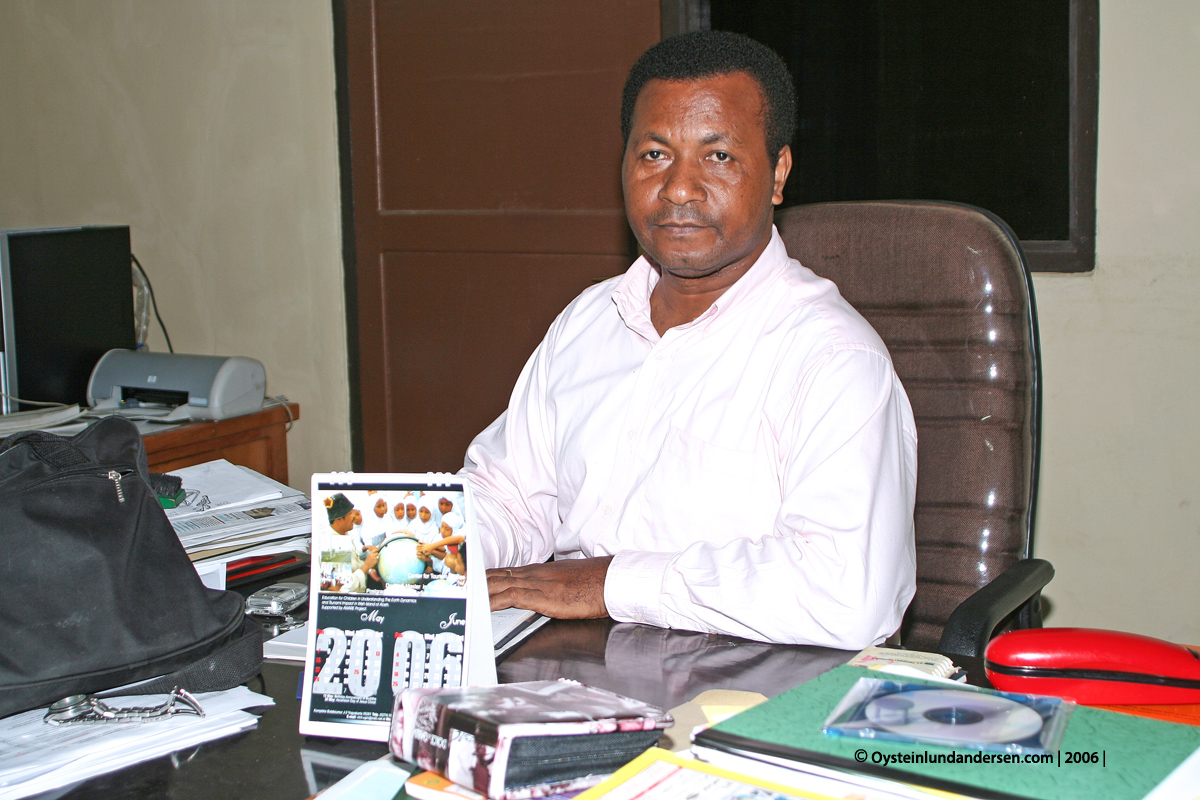 Cenderawasih Universitas University Papua UNCEN Jayapura Fredrik Sokoy