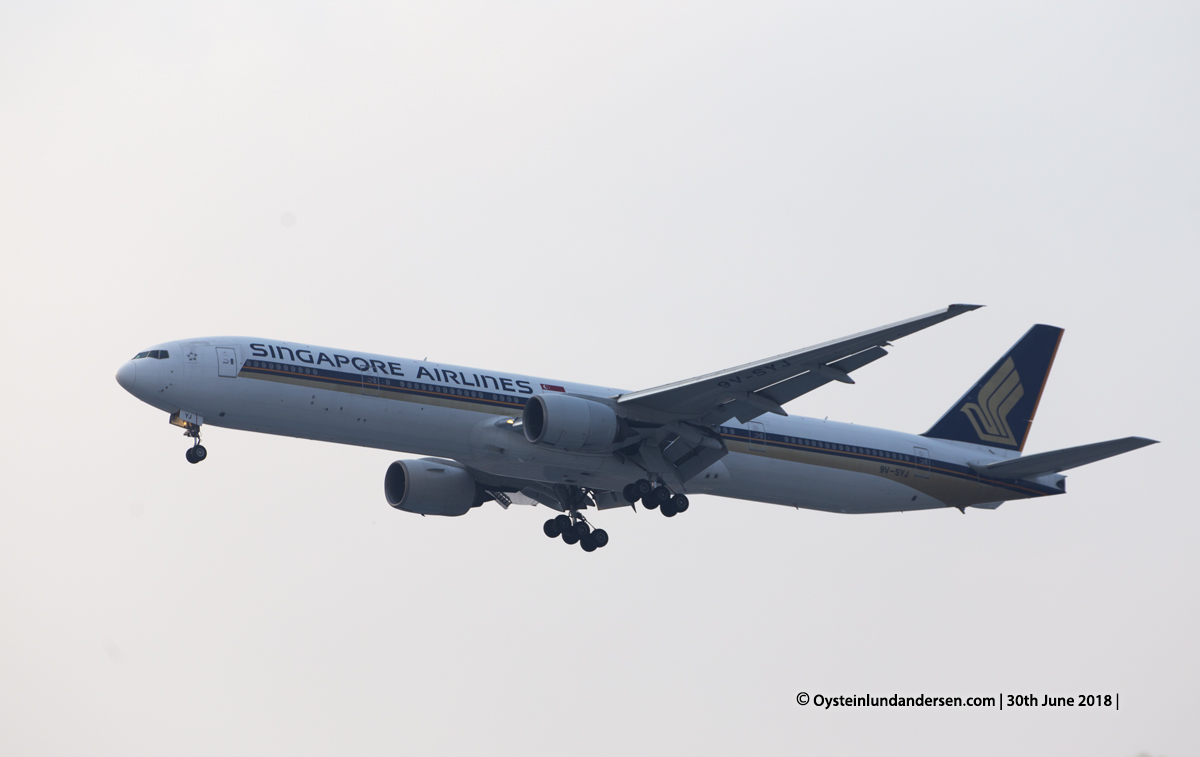 Singapore Airlines Boeing 777-300
