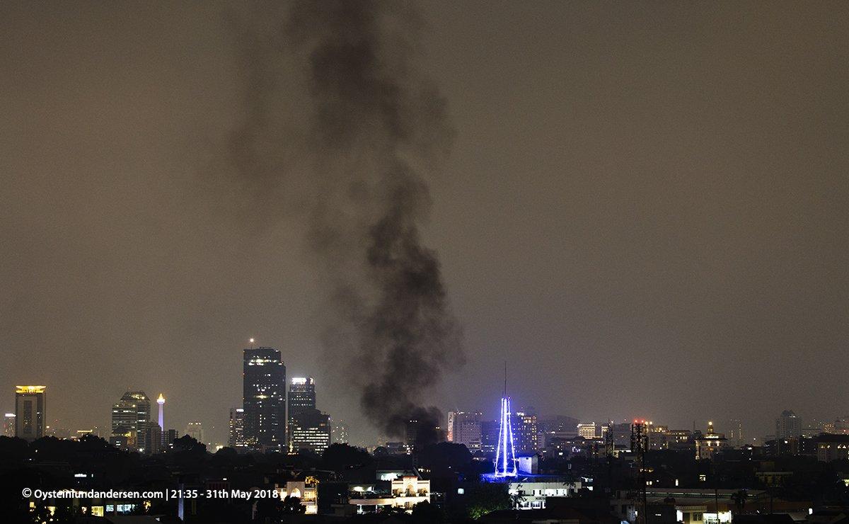 jakarta kebakaran fire smoke asap monas 2018