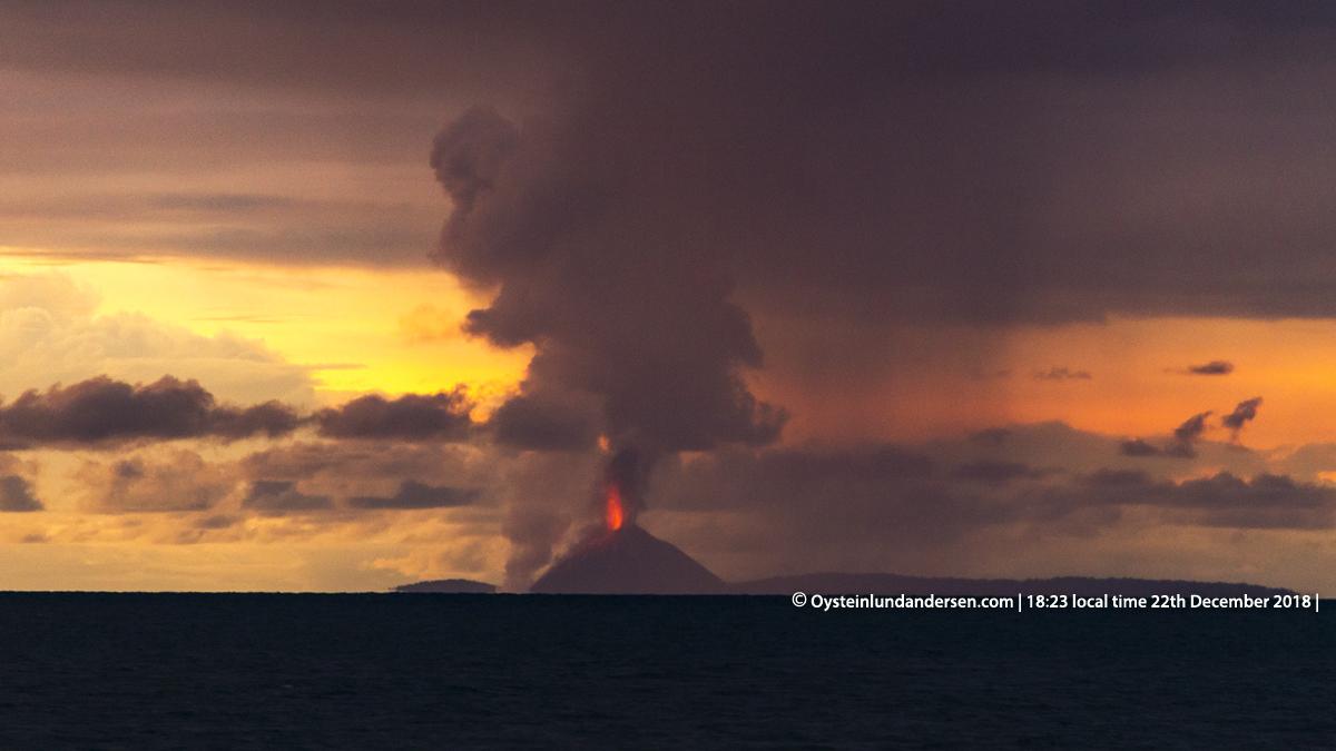 Krakatau eruption tsunami anyer indonesia 2018 volcano photo