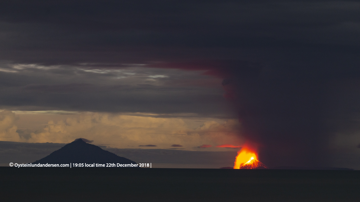 Krakatau eruption tsunami anyer indonesia 2018 volcano photo
