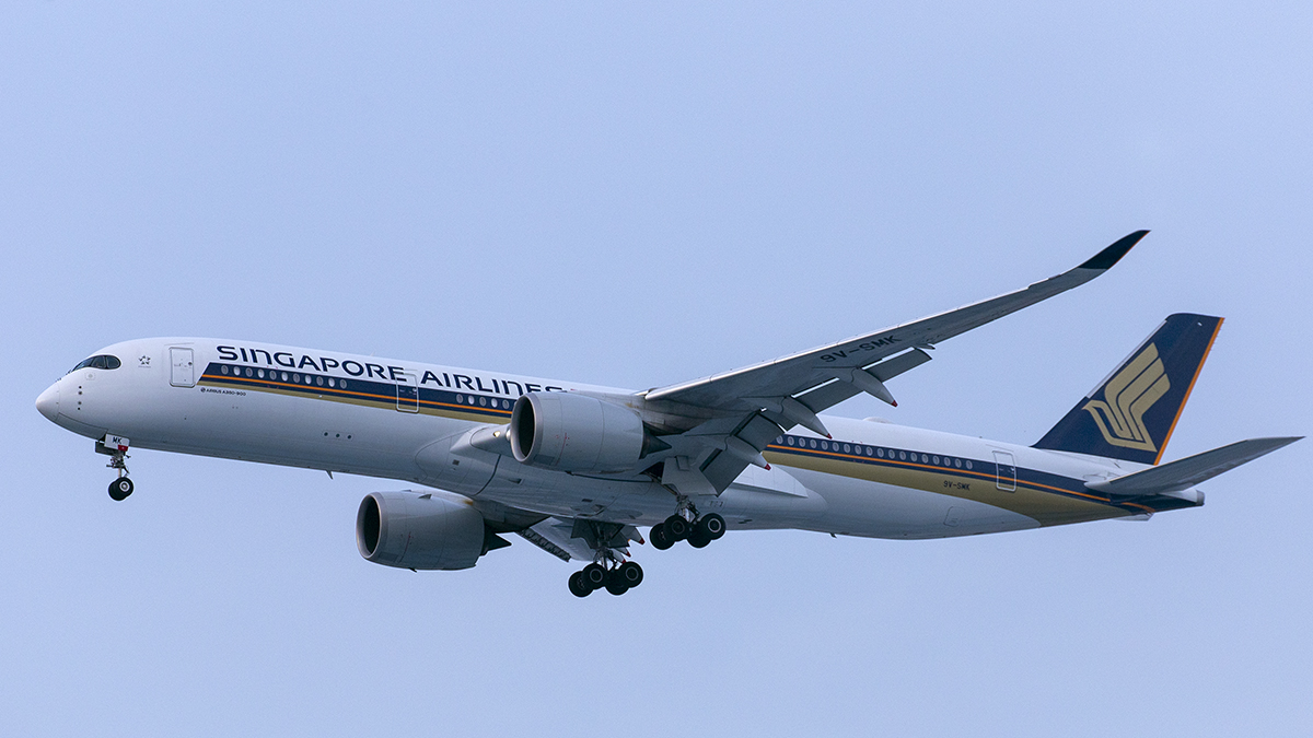 Singapore Airlines Airbus 350-900 (9V-SMK) Jakarta airport Indonesia CGK