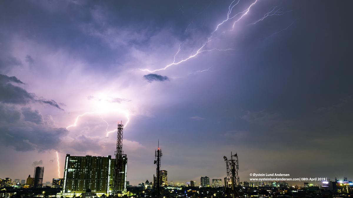 Thunderstorm lightning kilat 2019 Jakarta Indonesia