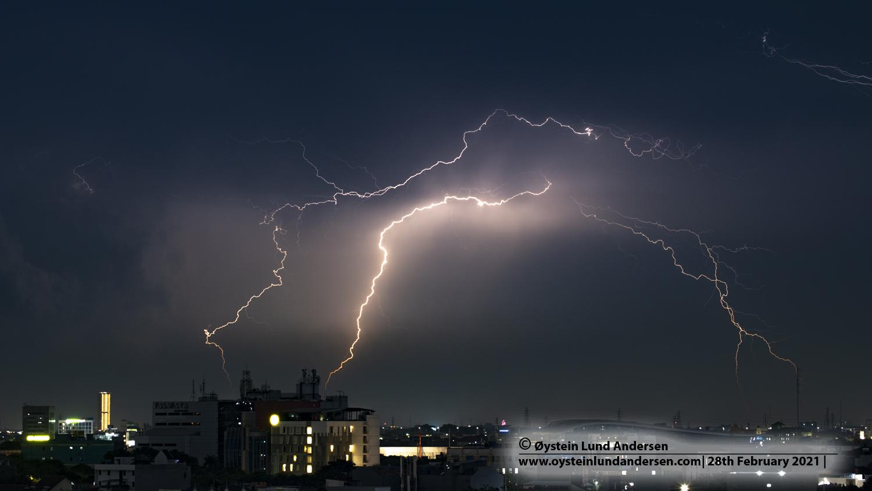 lightning, lightning strike, jakarta, indonesia, thunderstorm