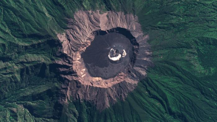 Raung volcano east java Satellite Image 27 july 2021 andersen